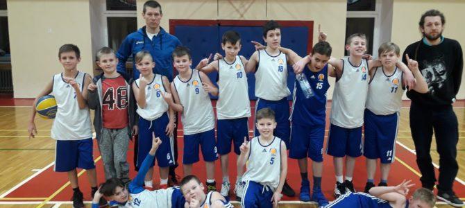 U12 – ŻACZKI – mecz nr 6 dla nas! Kołobrzeg zdobyty – miłości nie było.